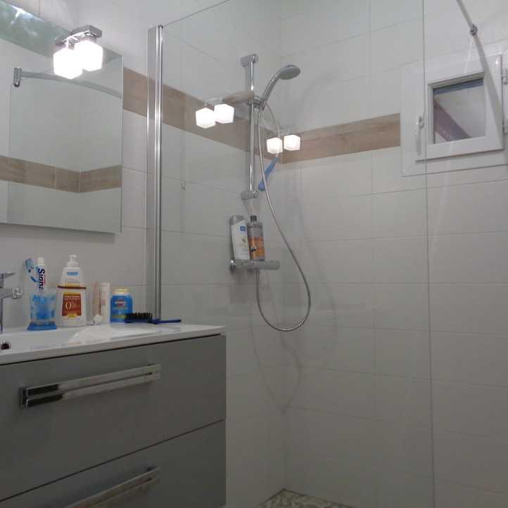 R novation de salle de bain pl dran c tes d 39 armor - A quoi sert un bidet dans une salle de bain ...
